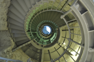 Grays_Harbor_(Westport)_Lighthouse_interior_01