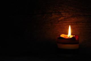 Candle-546563__340